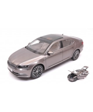 SKODA SUPERB III 2015 SILVERGUN 1:18