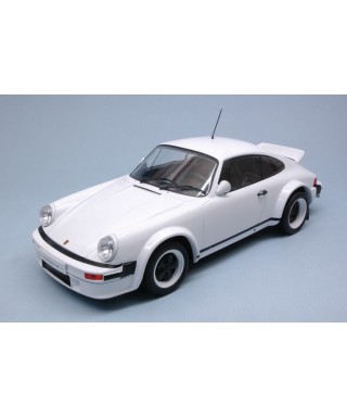PORSCHE 911 1982 PLAIN BODY WHITE 1:18