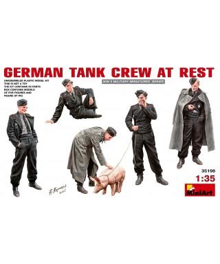 GERMAN TANK CREW AT REST KIT 1:35